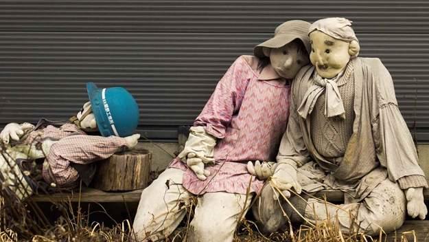 Tres muñecos en Nagoro