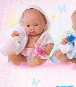 Foto albornoz para muñecas con toalla y braguitas de Antonio Juan