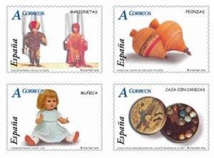 Foto de cuatro sellos de la colección juguetes de Correos.
