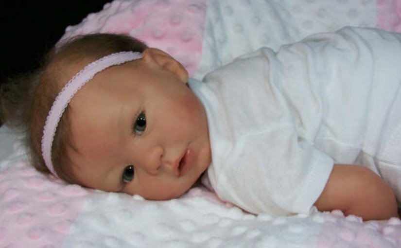 Foto bebé reborn niña