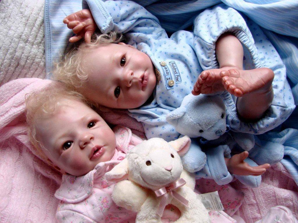 Foto de dos bebés reborn