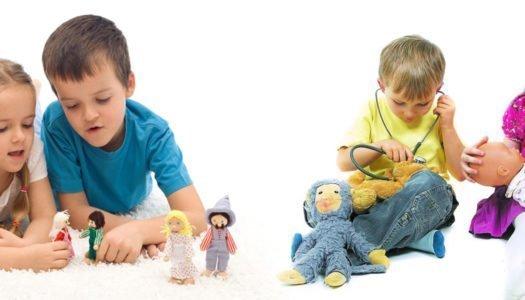 Mi hijo juega con muñecas ¿Qué hago?