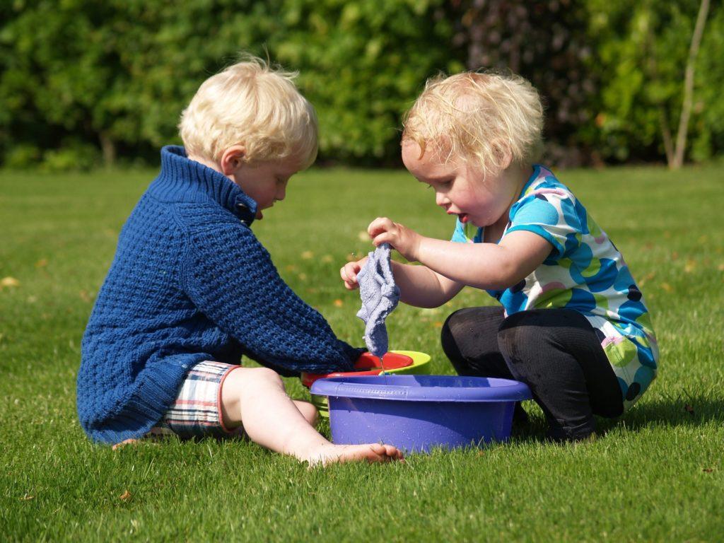Beneficios de jugar al aire libre socialización