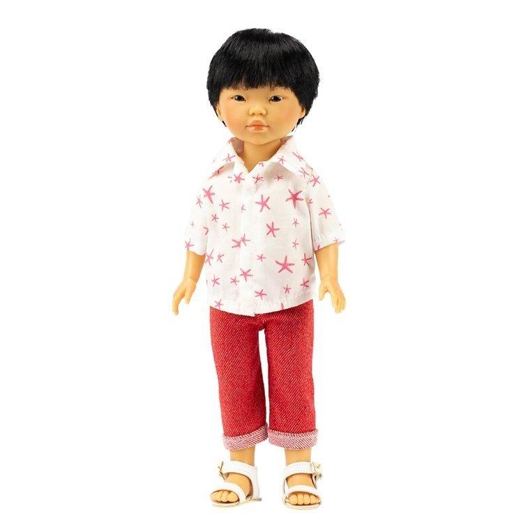 Muñeco Vestida de Azul 28 cm - Los Amigos de Carlota - Kenzo con jeans rojos y camisa con estampado de estrellas de mar