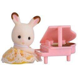 Sylvanian Families - Bebé para llevar - Conejo chocolate con piano
