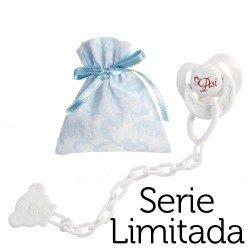 Complementos para muñecas Así Reborn Serie Limitada - Chupete con pinza y bolsa de cachemir celeste y blanco
