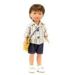 Muñeco Vestida de Azul 28 cm - Los Amigos de Carlota - Albert con jeans cortos y camisa a cuadros con bolsa