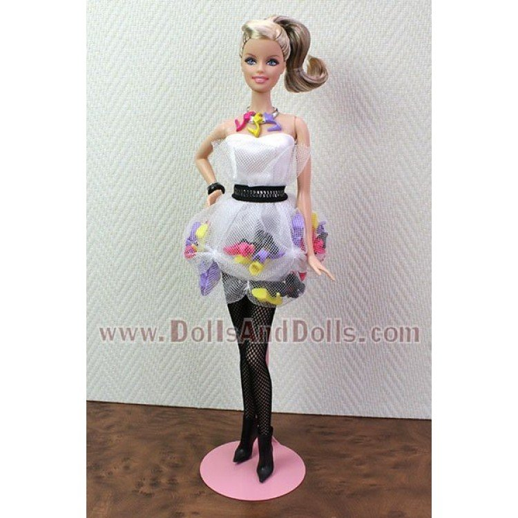 Metal doll stand 2299 in pink for Barbie type